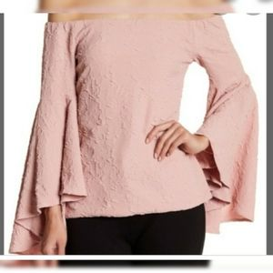 NWT Romeo & Juliet Couture Bell Sleeve top sz L